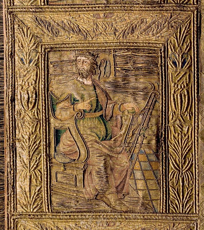 SIGLO XVI: TERNO BLANCO Detalle del frontal: El rey músico David