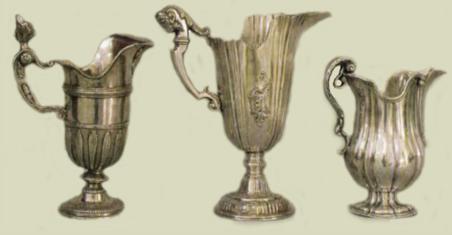 SIGLO XVIII: TRES JARRONES AGUAMANILES