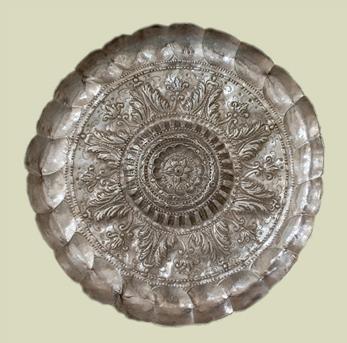 SIGLO XVIII: FUENTE CIRCULAR CON GALLONES