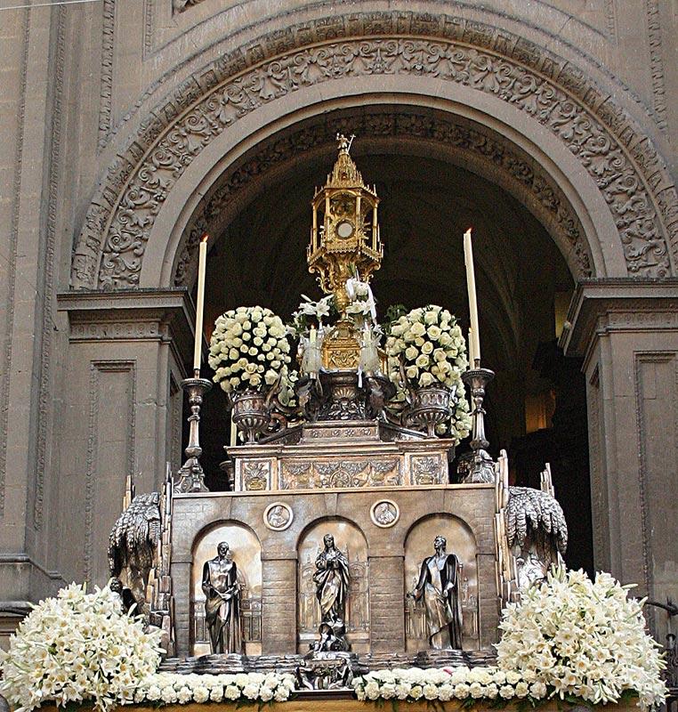 CUSTODIA DEL CORPUS CHRISTI Salida procesional en el día de la solemnidad